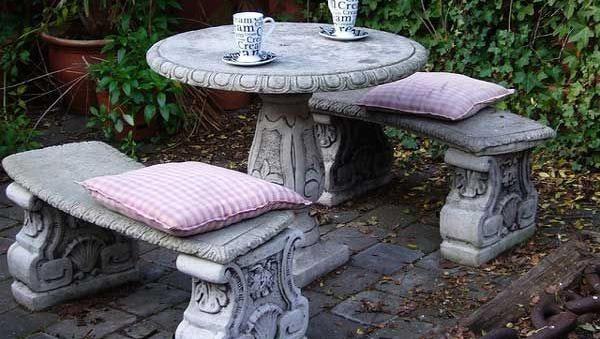 Каменная садовая мебель