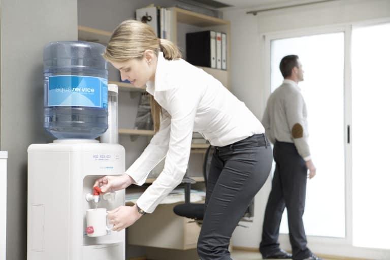 Легкий бизнес на производстве и доставке воды в бутылях по 19 литров на дом